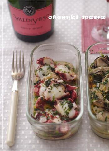疲労回復にも効果のあるたこを、大葉とにんにく、オリーブオイルと組み合わせたレシピ。冬は温かいまま、夏には冷蔵庫でひんやり冷やして食べても美味しそうです。