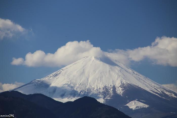富士山もこんなに近くに望めます。ハーブの香りと絶景が楽しめるのはここならでは。ガーデン内にはところどころベンチや東屋もあるので、景色を眺めながらゆっくり過ごすのもおすすめ。