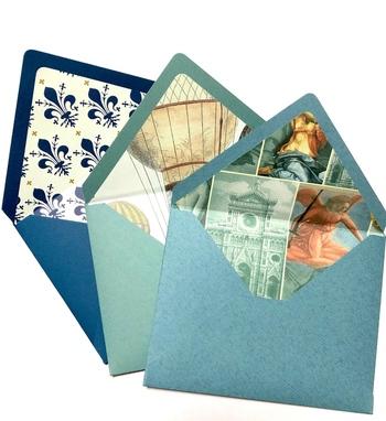 シンプルな封筒の中に、おしゃれな柄のインナーを付けてみるのはいかがですか?開けた時に思わずうれしくなりそうです。  こちらの作家さんの作品は、イタリア・フィレンツェで購入した紙をインナーに使用されており、海外のセンスたっぷり。日本に無い紙なので、プレミア感もありますね。  とても華やかで、招待状にも使えそう。