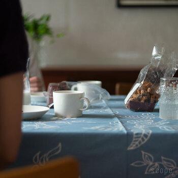食卓に置くだけでサマになる美しい佇まいは、「かもめ食堂」の世界観を食卓に運んで来てくれることでしょう。
