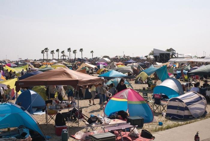 ■開催日:毎年5月中旬~6月上旬 ■場所:ラグーナビーチ、ラグナシア  「森、道、市場」は、日本全国から素敵なモノやおいしいごはんを携えたお店が500店以上集まる市場と、幅広いジャンルの音楽を楽しめるフェスです。 市場には食品や雑貨、アンティーク・骨董品を販売するテナントが並び、ライフスタイルも彩り豊かに。2019年は、ラグナシアのアトラクションが乗り放題なうえにプールも開放していて、衣・食・住・遊を全力で満喫できるイベントとなりました。