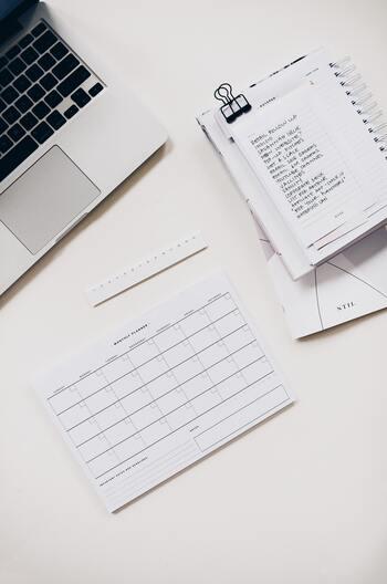 やるべきことはマルチタスクではなく「TO DOリスト」化することで、ひとつひとつ集中して取り組んでいく方が、結果的に仕事が早く終わるでしょう。また、集中力も上がるほか、記憶にも残りやすいといえそうです。