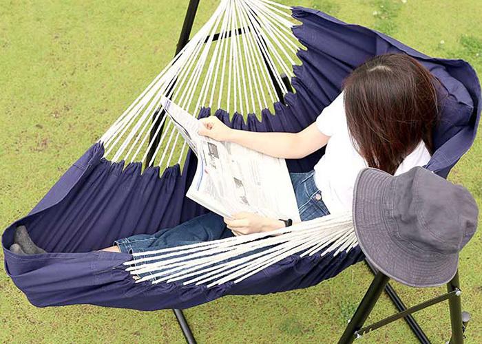 日々、スマホやパソコンなどを見ることが多い人は、このひと時デジタルデトックスをしてみませんか。自然の中で風景を見たり、普段読めなかった本を持ってきてじっくり読書をしてみるのも素敵な時間になるかもしれません。テントを張るなど現地での準備が少ないぶん、楽しむ時間をたっぷり作れそうです。