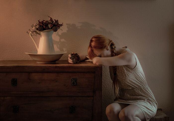体は疲れているのに、気が高ぶって眠れない。仕事は山のようにあるのに、集中力がもたない。楽しいはずの予定なのに、ワクワクしない……。こんなことはありませんか? 忙しい毎日に追われ、気が付けば脳が24時間フル回転している状態が続き、「もう限界!休んで!」とサインを発しているのかもしれません。