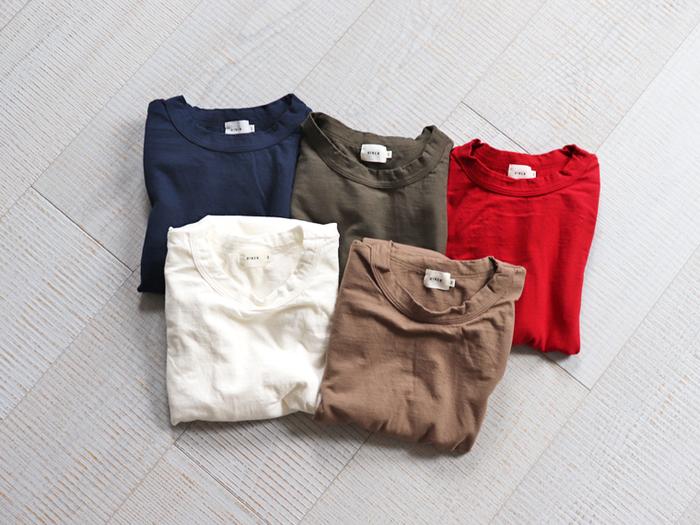 """Tシャツは""""きれいめ""""に着るのが今年流。脱マンネリも叶う《Tシャツきれいめコーデ集》"""