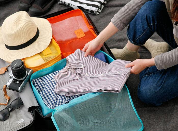 旅先のかさばりがちな衣類をすっきり収納できる、便利なアイテム「Travel Packing Bag」。前面がメッシュになっているので通気性もよく、中身も一目で確認できて◎。