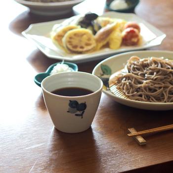 暑い夏の日に無性に食べたくなる「素麺」。器選びにもこだわって、夏の食卓を素敵に演出してみませんか?