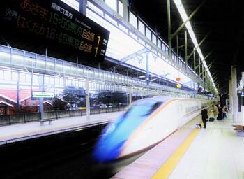 """東京駅から1時間と少し。多忙な方も、わが国の高原リゾートの発祥地・軽井沢を""""1day trip""""できますよ♪"""