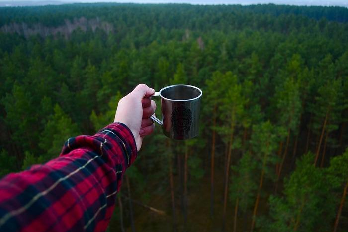 コーヒーを飲むことが好きな方なら、自然の中で飲むコーヒーの香りを味わってみて。普段のせわしない時間の相棒になってくれているコーヒーも、ここではひと味違うはず。身体の力を抜いて、「ほっ」とできるひと時を満喫してみてはいかがでしょうか。