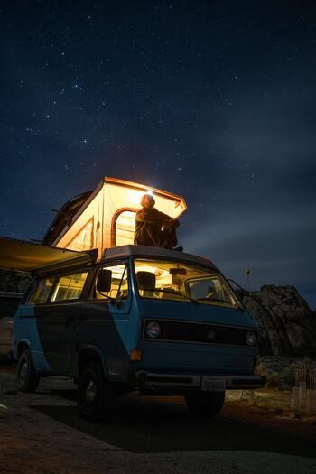 夜はやっぱり、自然のなかでたくさん見える星を眺めたいですよね。小さな望遠鏡など持っていっても楽しめそうです。テントやキャンプ道具を持っていかないぶん、事前準備の時間や費用を、グランピングでやりたいことに使えるのがいいですね。