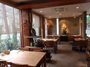 """自由が丘の駅から歩いて5分ほどのところにある「あえん」は、""""里山の恵み""""をキーワードに、新鮮なこだわり野菜や良質なお肉を使った和食がおいしいと評判のお店です。"""