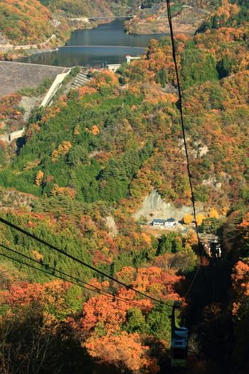 夫婦木姫の宮の近くからは、標高1058メートルの羅漢寺山の山頂を結ぶ昇仙峡ロープウェイが運行されています。ロープウェイからは360度の大パノラマで昇仙峡を見渡すことができます。