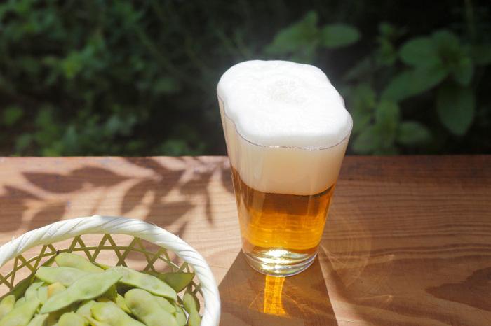 ビールを飲むのが、毎回楽しみになりそうなビアグラス。上手に泡が立つように注げば、モコモコ、絵に描いたような雲が現れます。このほのぼのとした光景に、夏の疲れもふわっと癒されそう。ビール好きな方へのプレゼントにもいいですよね。
