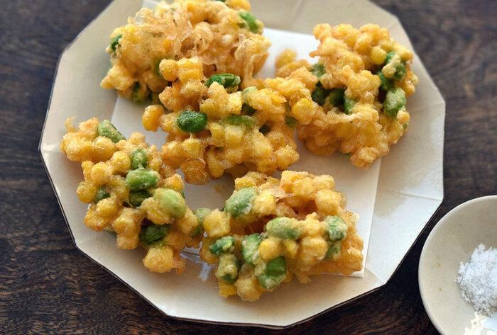 とうもろこしと枝豆は、卵が少し多めの衣に和えてかき揚げに。揚げることで食感も甘みも引き立つので、塩でシンプルに頂くのがおすすめです。