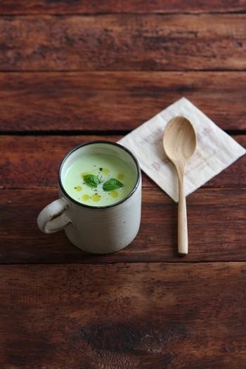 大豆イソフラボンを含みビタミンB1も豊富な枝豆。アルコールの分解も助けてくれる嬉しい夏野菜。そんな枝豆を使った美しいグリーンが印象的な「枝豆のポタージュ」は豆乳ベースなのでとっても優しい味わいです。
