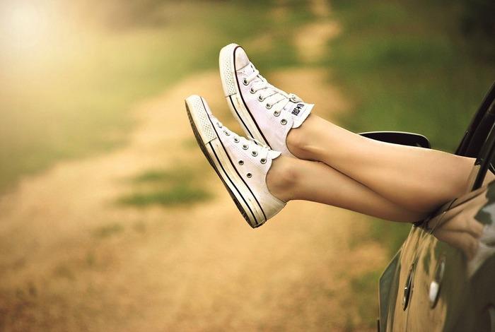一時的な疲れと間違いやすいのですが、これもむくみの症状のひとつです。むくんでいる時は血の巡りが悪くなるため、老廃物が溜まりやすくなります。それが疲労感となってあらわれるのです。