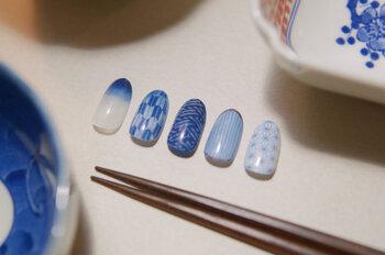 和食器を思い出させるどこか懐かしいデザイン。ホワイトを多めに使っているから爽やかさも◎。
