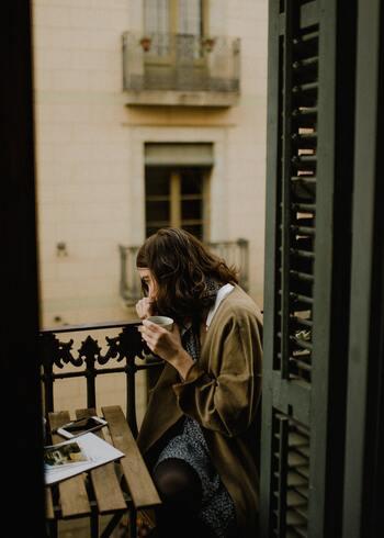 「ハンドドリップで珈琲を入れるようなタイプじゃないでしょ。でもせめて美味しい珈琲でゆっくり過ごしてほしい。」  ・・・すべてお見通しのお母さんが、そんなあなたに贈るのは、スイッチひとつの簡単コーヒーメーカー。