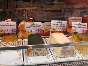 日本ではフレンチレストランでしか口にする機会がないテリーヌもこの通り。こちらも華やかです。