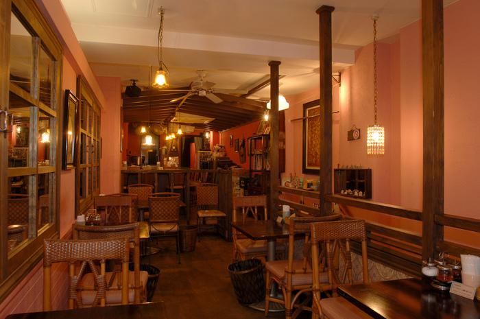 駅から歩いて2~3分のところにある「Krung Siam(クルン・サイアム)」は、自由が丘を代表するタイ料理店です。アジアンテイストの店内は、開店と同時に満席になることも多いとか。