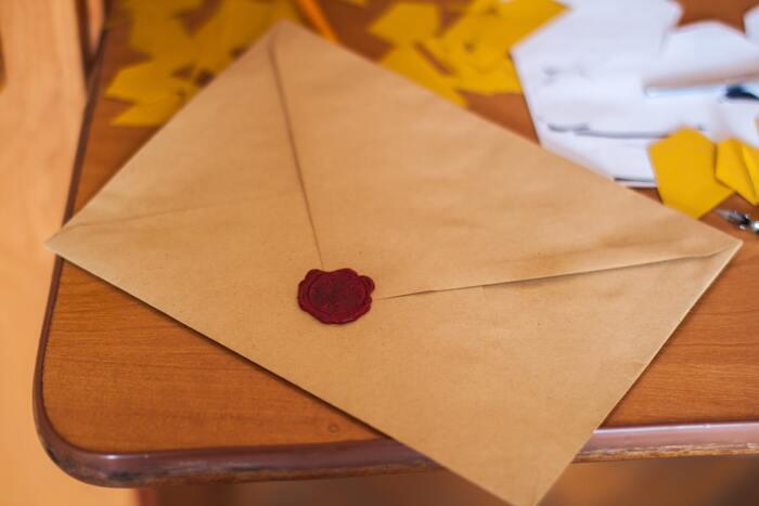 大切な人との日々を思い返して懐かしんでみたり、「またがんばろう」と自分の背中を押すきっかけにしたり、節目節目に読み返せるのも手紙の魅力です。