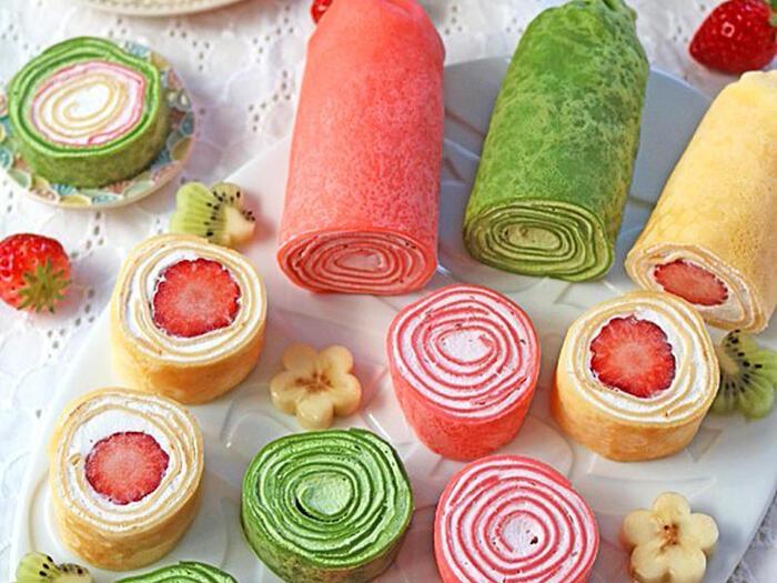生地に色をつけて、虹色のクレープケーキ♪バースデーケーキにいかが?