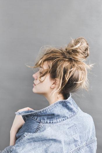 特に歳を重ねると流行りよりも自分にとって「気持ちの良い服、着ていると楽しい気持ちになる服」という点を大切にしましょう。着ている人の気持ち良さが全体の雰囲気となって表れてきそうです。