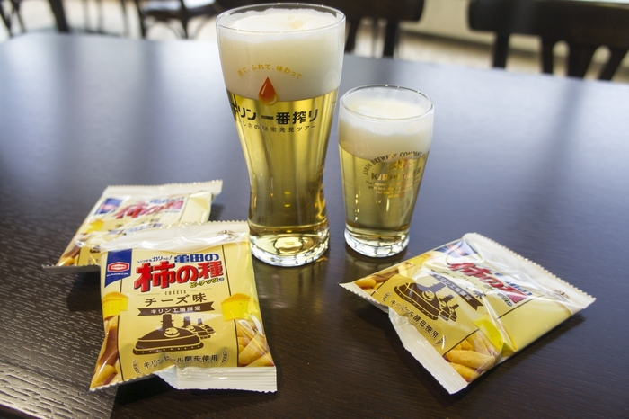 工場見学後のお楽しみビールの試飲は、おつまみも付いて1人3杯まで飲めるそうです!これは嬉しいですね♪