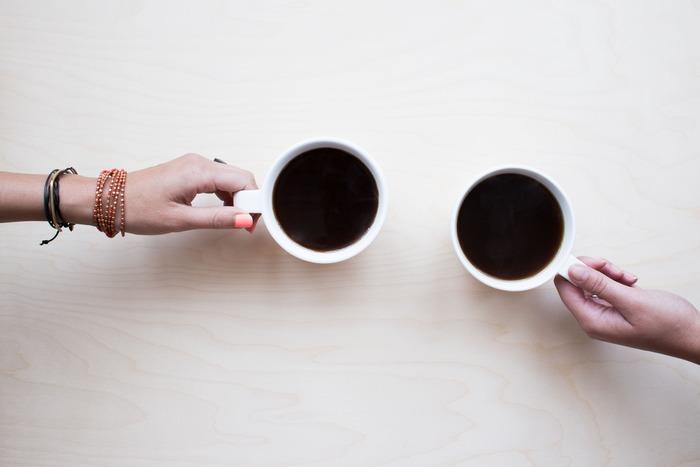 コーヒーは、アイスでもホットでも冷えを招きやすいそうです。