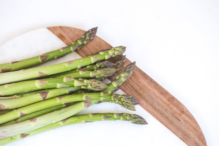 例えば春キャベツやアスパラガスなら、新陳代謝を良くしてくれたり、疲労回復効果があります。春野菜を食べることで冬の疲れを癒し、生き生きと活動できるようにサポートしてくれますよ。ぜひレシピを参考にして、献立に積極的に取り入れましょう!