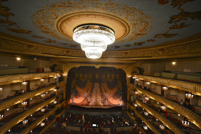"""""""マリインスキー・バレエ(Mariinsky Theatre)""""は、本場ロシアのバレエ団。その起源は1730年代の宮廷バレエに遡ることができ、伝統を誇る格式高いバレエ団の一つです。"""