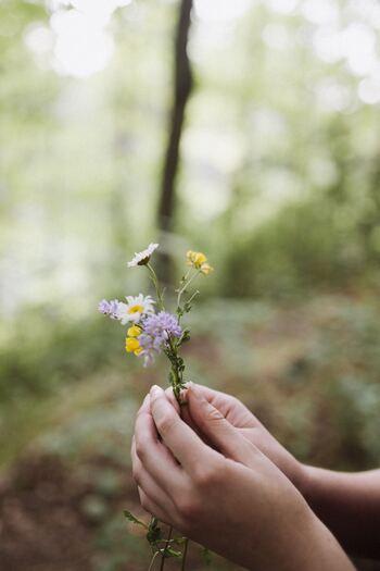 人間関係を壊さない上手な断り方は、感謝の気持ちを伝えることです。必要としてくれたこと、頼りにしてくれたことに感謝することは、相手を大切に思っているという誠実な気持ちを伝えることでもあります。相手を尊重することができれば、断ることは何も悪いことではないのです。