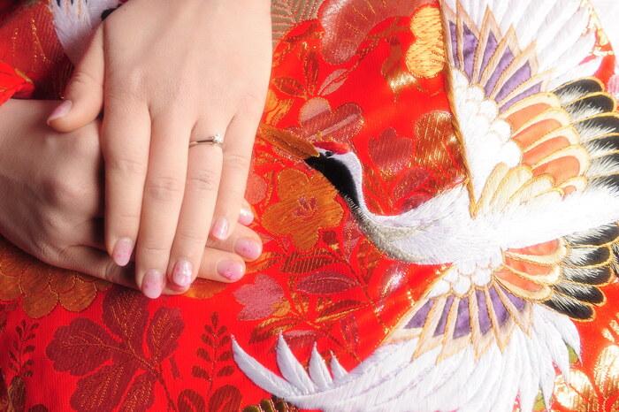 細かく華やかな美しい伝統模様。季節や情景を写しとるのが得意なのは日本人ならでは。