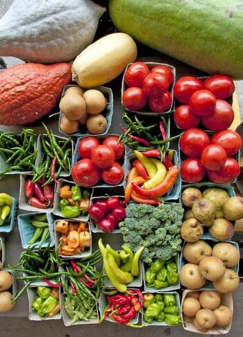 野菜、お肉、お魚と、毎日の献立を考えたり、副菜を作るのはとっても大変ですよね。そんな時に一役買ってくれるのが、食材を漬けておくだけで作れる「マリネ」です。「マリネ」とはフランス料理の調理法で、食材をビネガーやオイルに漬ける料理や調理法のことを指します。