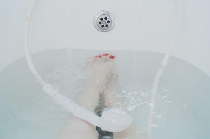 ゆっくりぬるめの湯船に浸かることで、血流を良くするだけではなく、日ごろのストレスも解消♪入浴することで心も体もデトックスです。