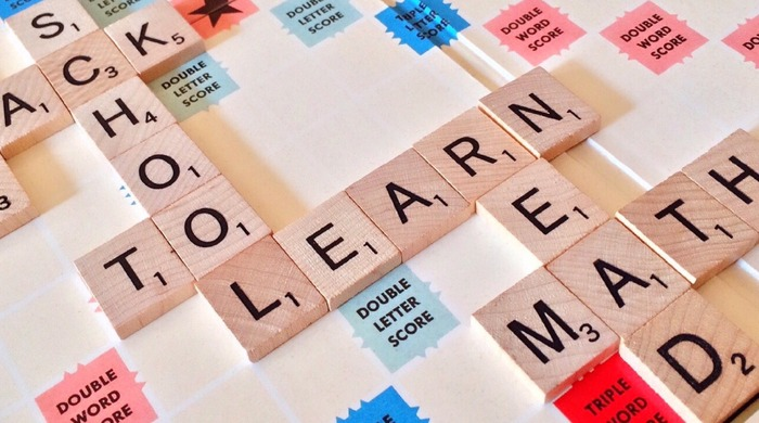 リンキング(linking)とは、音がリンクしていくという意味です。日本語は、比較的一つ一つの単語や音を切って発音しますが、英語は単語をつないで話す言語です。