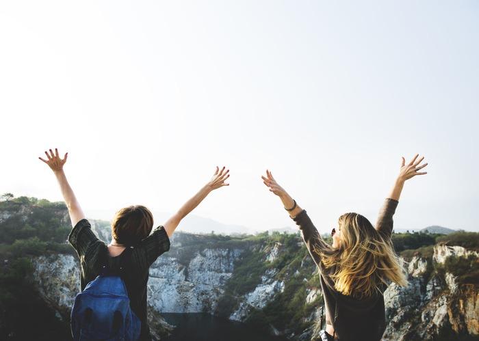 社会人留学はハイリスキーな体験に思われてしまったかもしれませんが、それは本人の努力次第。留学して新しいキャリアを開拓した人もたくさんいます!一度きりの人生、やりたいことをやりきってみませんか?興味がある方、必要なのはあと一歩を踏み出す勇気だけかもしれません。