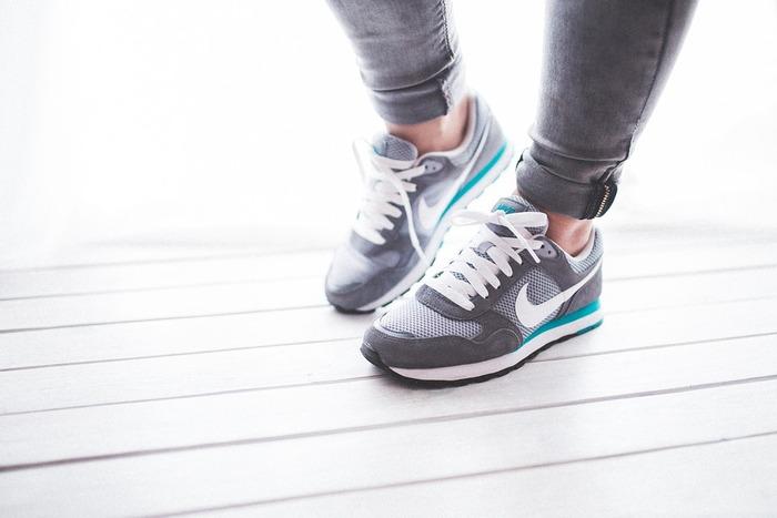 ダイエットをしていると、どうしても消費カロリーばかり意識してしまいがち。「今日はこれしかカロリーが消費できなかった…」と落ち込んだり、食事を減らしてしまうこともあるかと思いますが、負荷が少ない分、結果が出るには時間がかかるものですから「汗をかけた」「身体が以前より軽い」「季節の変化を楽しめた」などちょっとした変化を楽しんでみましょう。