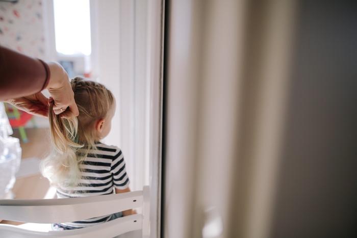 お出かけの直前は、ママばかりがバタバタしがち。自分の準備は後回しにして、子どもの身支度や荷造り・・・。  たとえパパだけで子どもを連れ出してくれる時も、なぜかママが荷物の準備をしていたり、なんてことも。