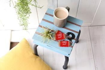 こちらのブロガーさんは、なんとサイドテーブルを手作り!100均材料だけでできているなんて驚きです。好きな色に塗れるので、お好みの夏カラーで仕上げてみましょう。