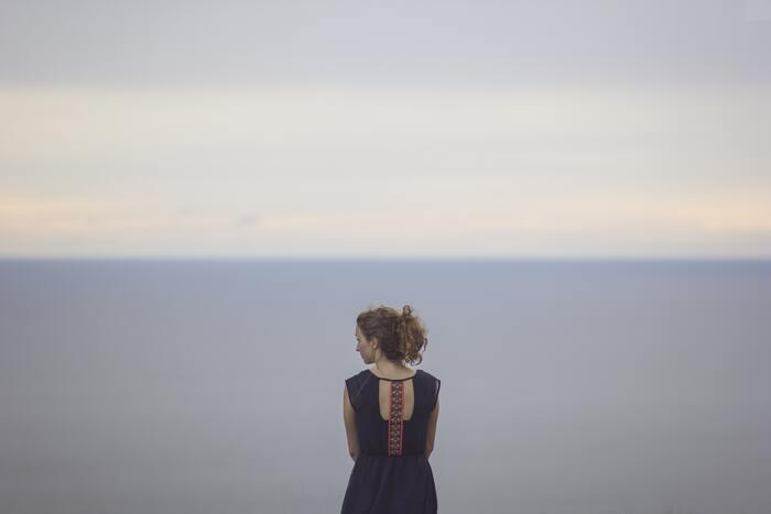 息抜きをする時、頭を空っぽにしてぼーっとするのが良いと分かっていても、つい仕事のことやこれからやるべきことが頭をよぎってしまうものです。ところが、それでは脳が休んだことにならないため、「息抜き」にはなりません。