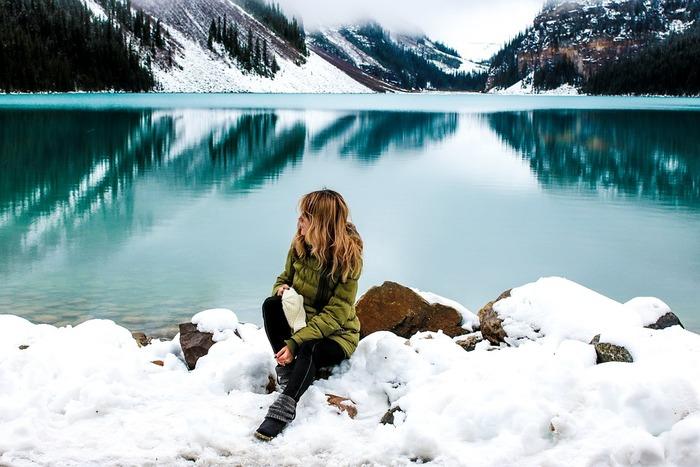 いよいよ冬本番。でも凍えてばかりもいられません。せっかくならば、冬のアウターだってオシャレに決めたいですよね。  近年のアウトドアブームを受けファッション業界でも盛り上がりを見せている、アウトドアブランドのアウターの中でも、注目したいのがキナリノ読者に馴染み深い、フィンランドやノルウェーなどの北欧のアウトドアブランドです。