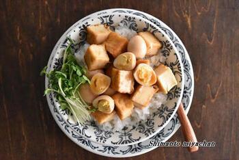 豚バラ肉の代わりに厚揚げを使ったヘルシーレシピ。さっぱりした食材ですが、オイスターソースなどでコクを出し満足感があります。また意外と食べ応えがありますので、ダイエット中にもよさそうですね。