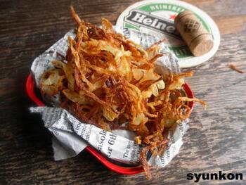 魯米飯など台湾料理には、揚げた葱もよく使われます。フライドオニオンでもいいですね。フライドオニオンは、自家製も簡単ですし、市販のものを利用するのもいいでしょう。