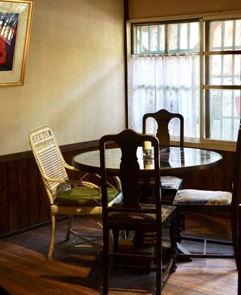 内装もインテリアもレトロな雰囲気が漂っています。軽井沢の歴史を感じる、優雅な空間です。