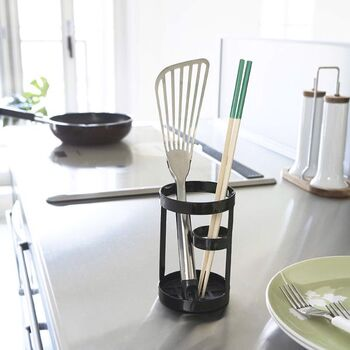 どんな料理をする時にも必要な菜箸やトング・・・使いやすいお気に入りの一品を見つけて、大切に使いたいですね。お気に入りのキッチンツールで、お料理の時間を快適にしよう。