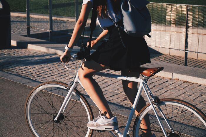 スカートでも乗れる♪ お洒落で便利な【私にちょうど良い自転車