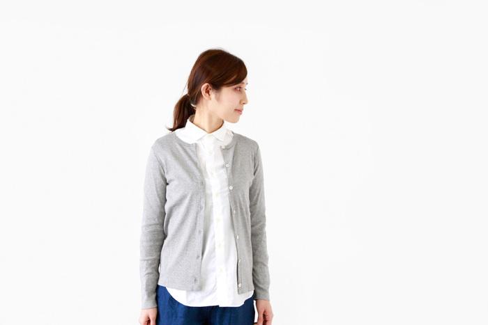 手持ちのインナーにさっと羽織るだけで、きちんと感を演出してくれるカーディガン。冷房やUV対策、着こなしのアクセントになるなど頼れるアイテムです。