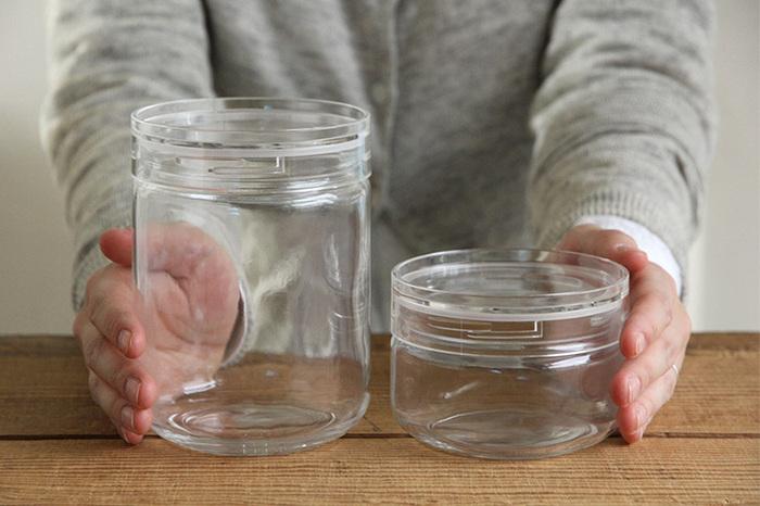 スパイスやナッツ類、コーヒーなど湿気らせたくないもの、ピクルスやレモン塩に梅干しなどのお手製の漬け物など、さまざまな食材の保存に使えます。サイズ展開も豊富だから、入れるものに合わせて容器を選べるのがうれしいですね。