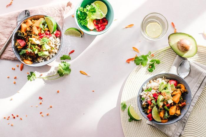 アメリカ西海岸発のヘルシーな菜食丼「ブッダボウル」を楽しみましょう♪